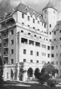 1929: Chateau Marmont Opens