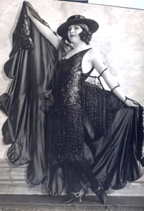 1932: Drag Star 'Fashion Plate'